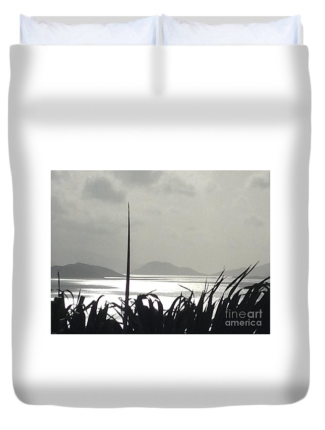 Sunrise Duvet Cover featuring the photograph Early Morning Over Sugar Beach by Gina Sullivan