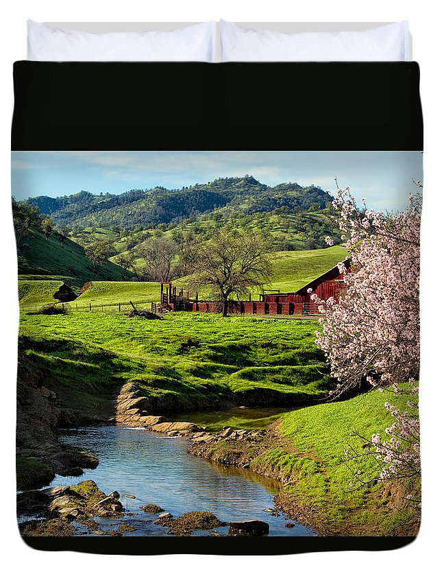 Farm Duvet Cover featuring the photograph Early Spring In The Valley by Kathleen Bishop