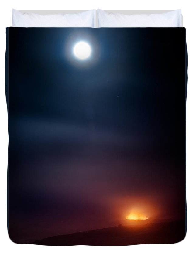 Earth And Sky Duvet Cover featuring the photograph Earth And Sky Duet by Craig Watanabe