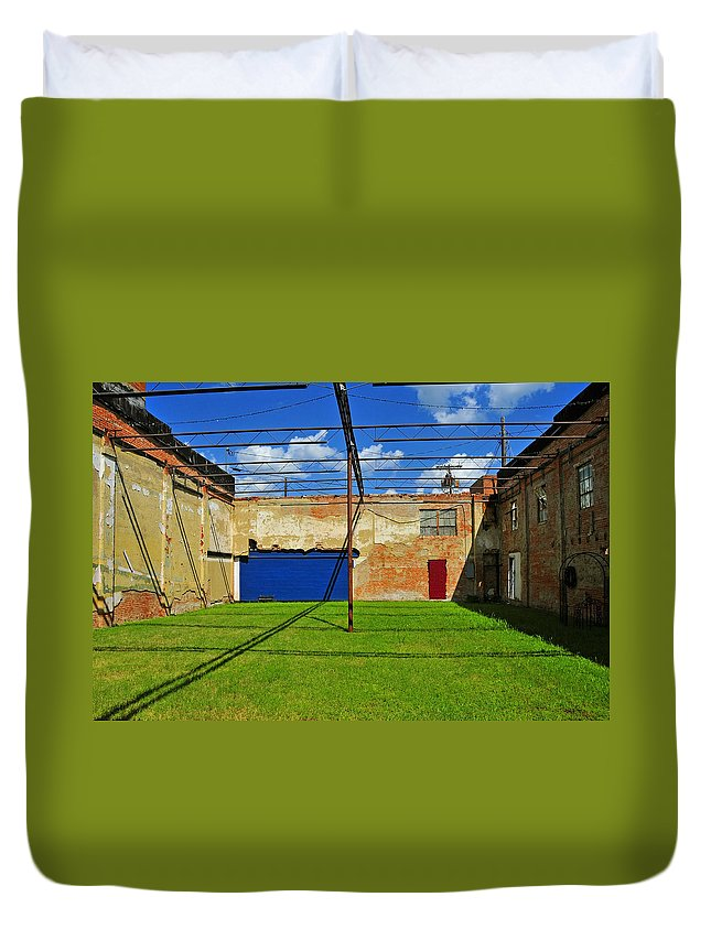 Skiphunt Duvet Cover featuring the photograph Eco-store by Skip Hunt