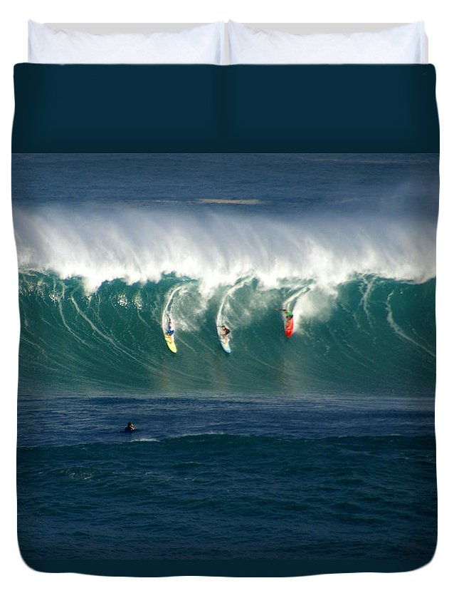 Hawaii Duvet Cover featuring the photograph Eddie Would Go by Kevin Smith