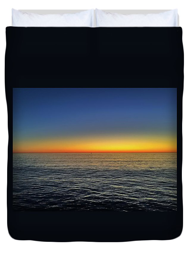 Ocean Duvet Cover featuring the photograph Edge Of Day by Michael Krugman