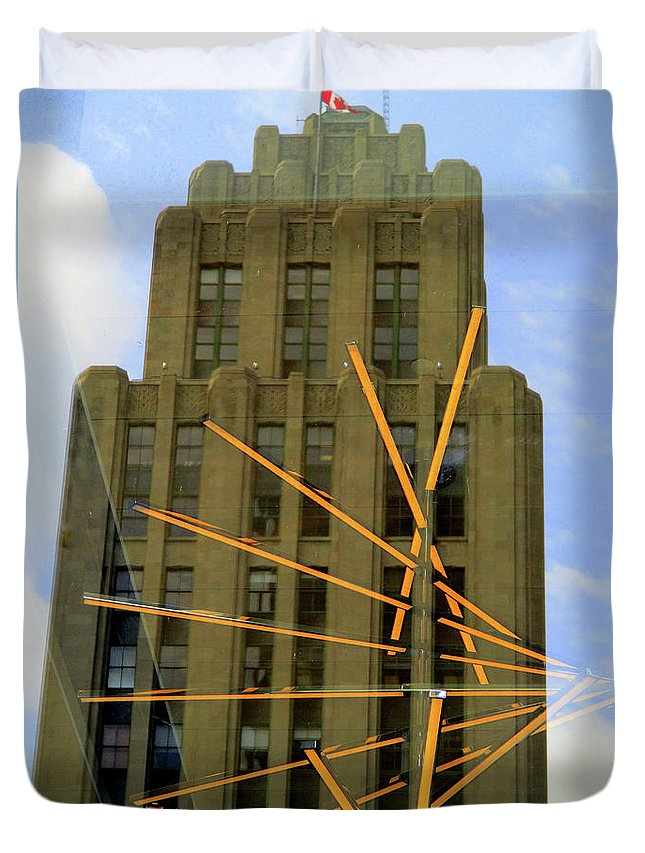 Montreal Duvet Cover featuring the photograph Edifice Aldred by Randall Weidner
