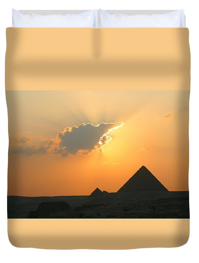 Pyramid Duvet Cover featuring the photograph Egpytian Sunset Behind Cloud by Donna Corless