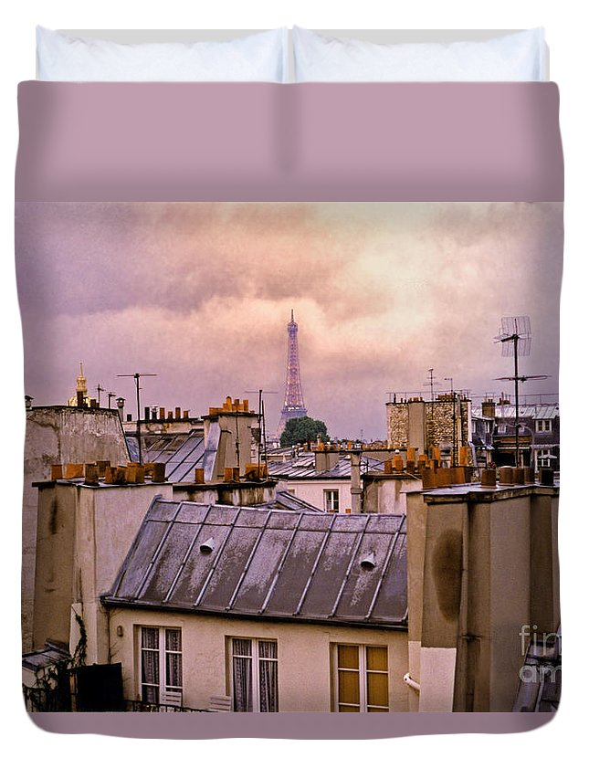 Eiffel Duvet Cover featuring the photograph Eiffel Tower by Madeline Ellis