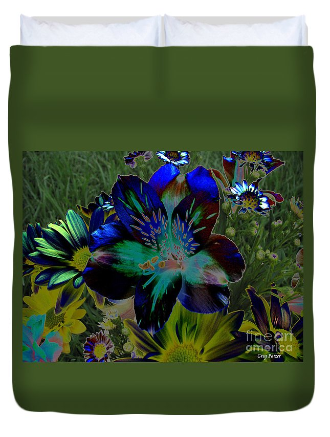 Art For The Wall...patzer Photography Duvet Cover featuring the photograph Electric Lily by Greg Patzer