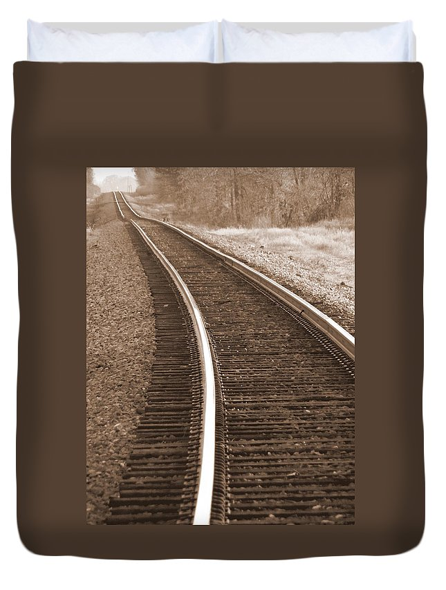 Train Tracks Duvet Cover featuring the photograph Electric Rails by Ed Smith