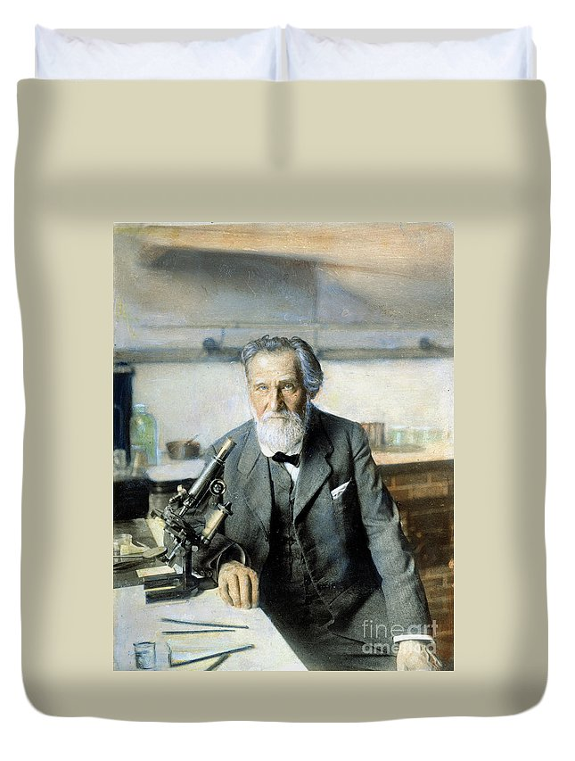 20th Century Duvet Cover featuring the photograph Elie Metchnikoff (1845-1916) by Granger