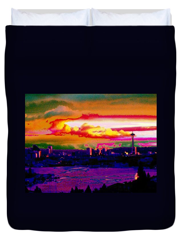 Seattle Duvet Cover featuring the photograph Emerald City Sunset by Tim Allen