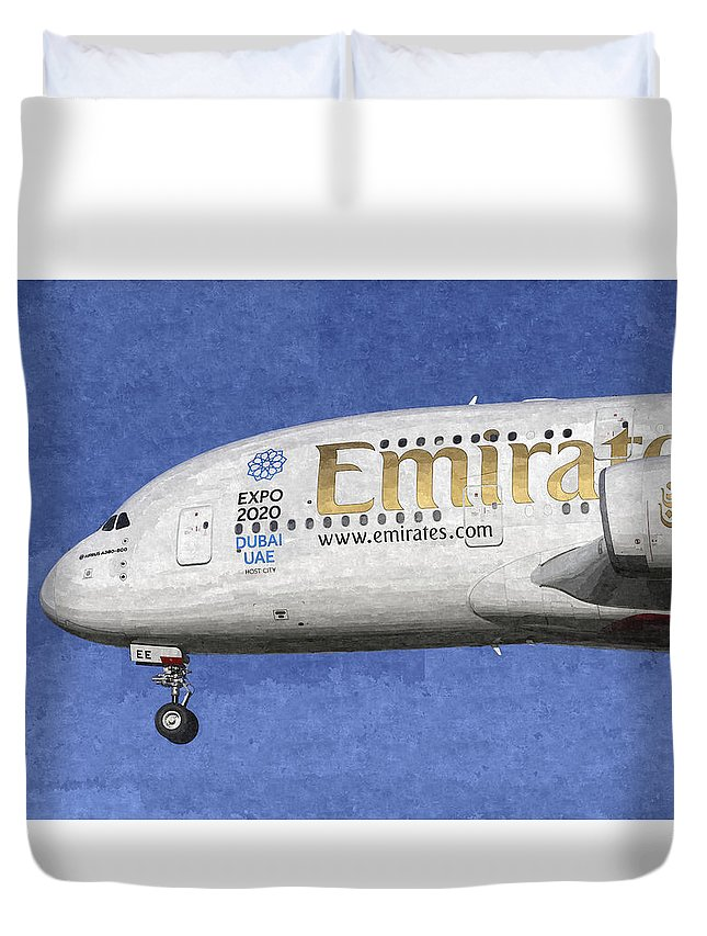 Emirates Airbus A380 Duvet Cover featuring the photograph Emirates A380 Airbus Art by David Pyatt