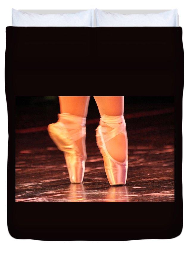Ballet Duvet Cover featuring the photograph En Pointe by Lauri Novak