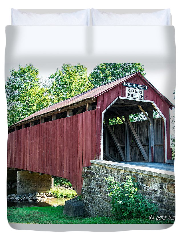Bridge Duvet Cover featuring the photograph Enslow/turkey Tail Covered Bridge by Jennifer Wick