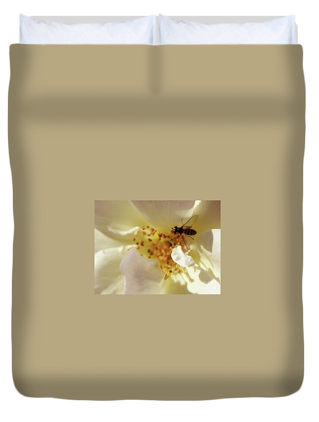 Flower Duvet Cover featuring the photograph Essence by Linda Shafer