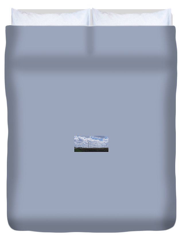 Wind Duvet Cover featuring the photograph Etched In Stone by Ed Smith