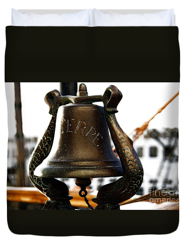 Euterpe Duvet Cover featuring the photograph Euterpe Bell by Linda Shafer