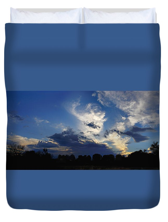 Landscape Duvet Cover featuring the photograph Evening At The Nature Center by Steve Karol
