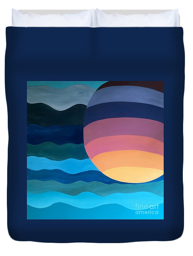 Abstract Sunset Duvet Cover featuring the painting Evening Dip by Mark Beach
