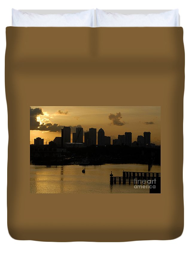 Tampa Bay Florida Duvet Cover featuring the photograph Evening In Tampa by David Lee Thompson