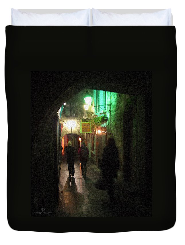Ireland Duvet Cover featuring the photograph Evening Shoppers by Tim Nyberg