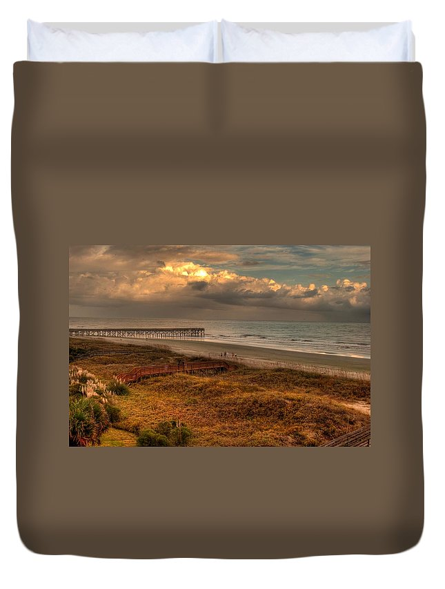 Outdoors Duvet Cover featuring the photograph Evening Skies by Paulette B Wright