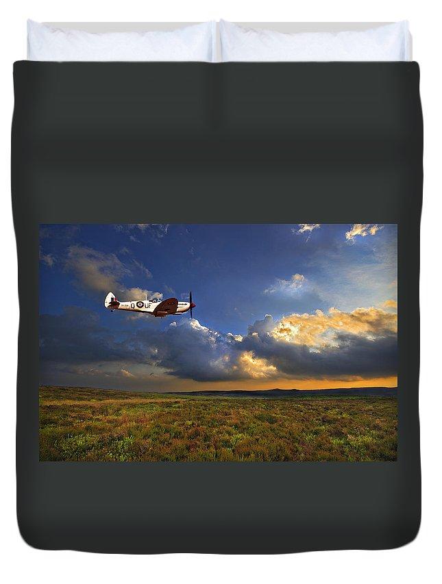 Spitfire Duvet Cover featuring the photograph Evening Spitfire by Meirion Matthias