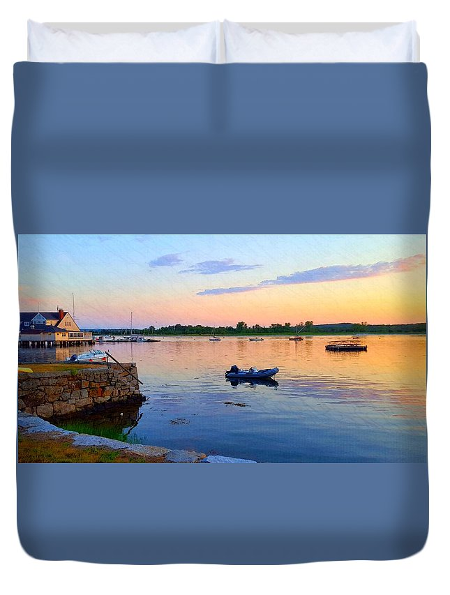 Pale Blue Sky With Pale Yellow Horizon Duvet Cover featuring the photograph Evening Tranquility by Harriet Harding