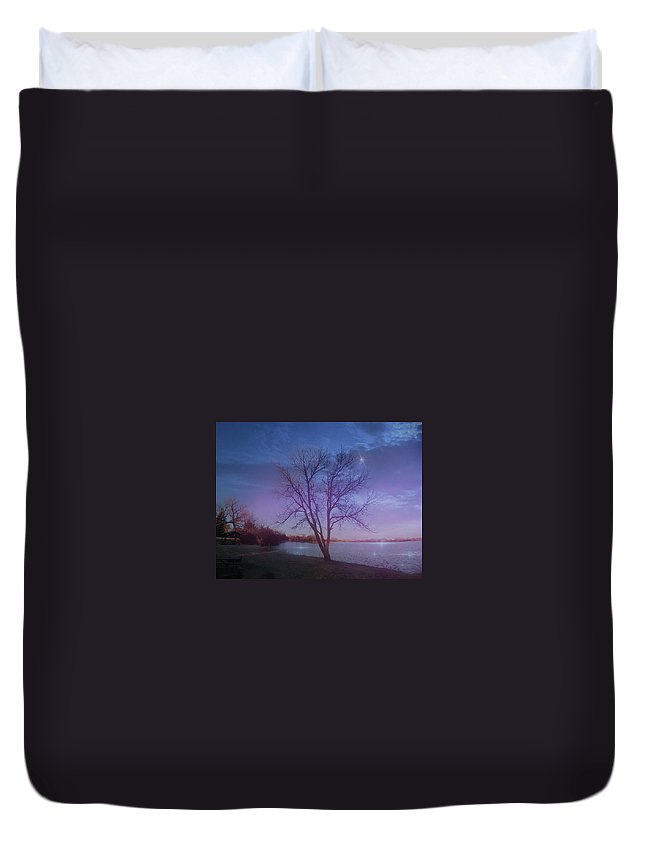 Lake Duvet Cover featuring the digital art Evening Twinkles by Artistry By Ajanta