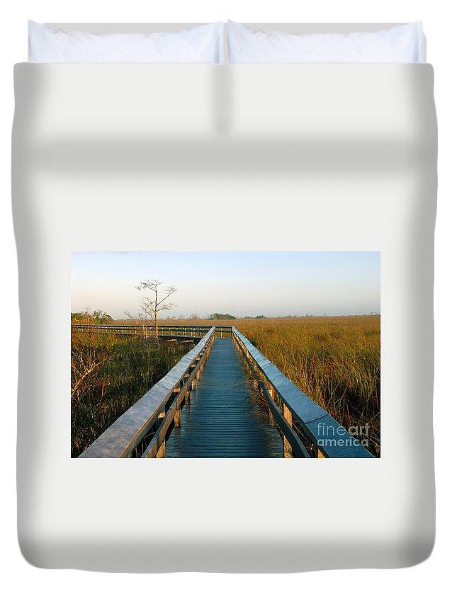 Everglades National Park Florida Duvet Cover featuring the photograph Everglades National Park by David Lee Thompson