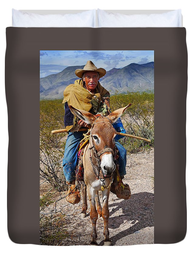 Skip Hunt Duvet Cover featuring the photograph Evuli by Skip Hunt