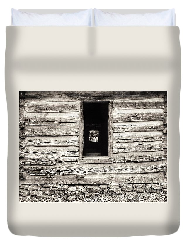 Repaired Log Cabin Wall Duvet Cover featuring the photograph Exterior Log Cabin Wall by John Myers
