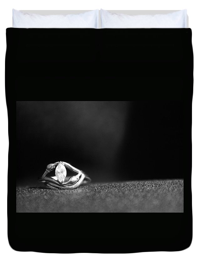 Ring Duvet Cover featuring the photograph Eye Do by Lauri Novak
