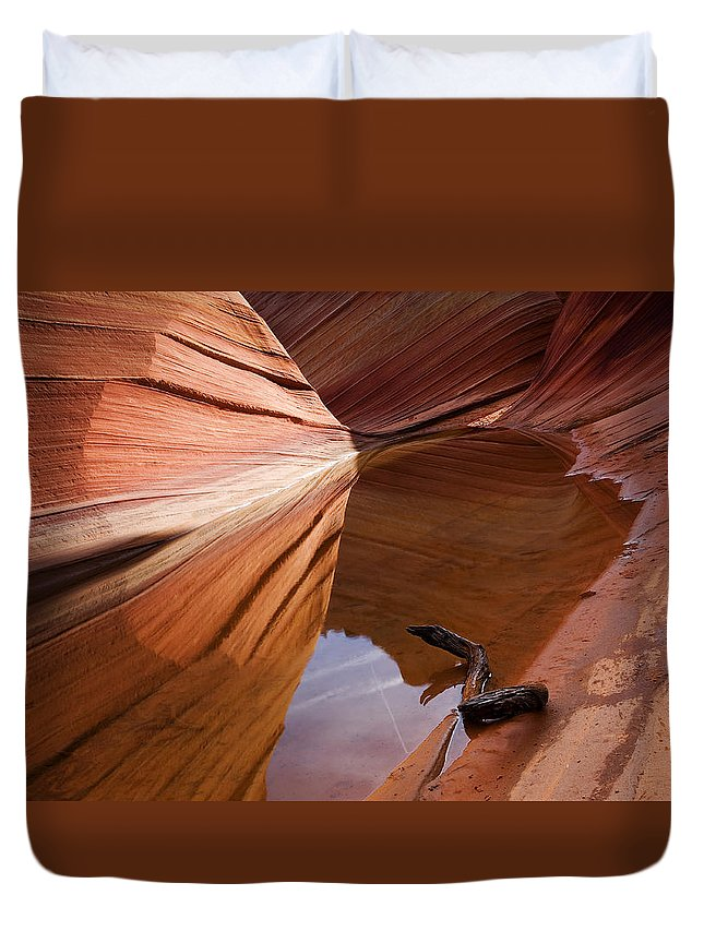 Wave Rock Duvet Cover featuring the photograph Eye Of The Wave by Mike Dawson