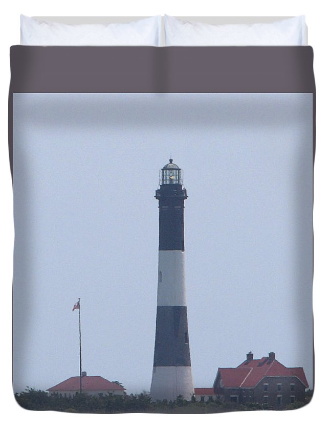 Lighthouse Duvet Cover featuring the photograph F I Lighthouse I I by Newwwman