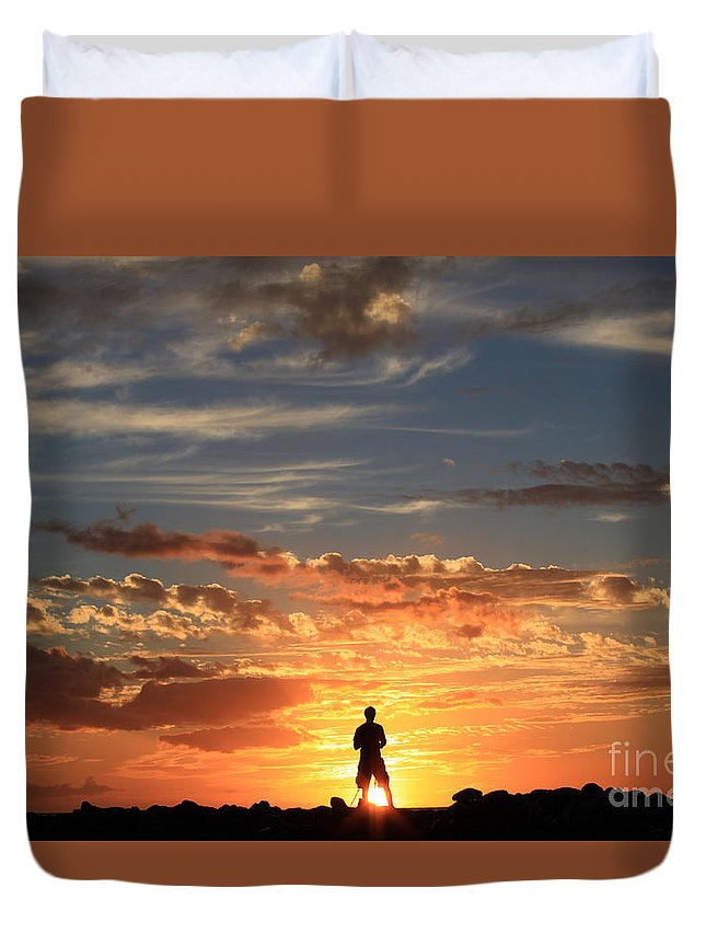 Kihei Duvet Cover featuring the photograph Facing The Sun by Aquadro Photography