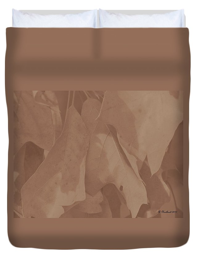 Oak Duvet Cover featuring the photograph Faded Glory by Betty Northcutt
