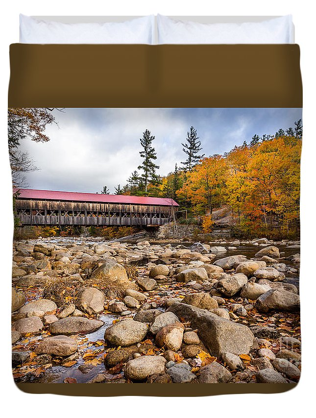 Albany Bridge Duvet Cover featuring the photograph Fall At Albany Covered Bridge by Scott Patterson