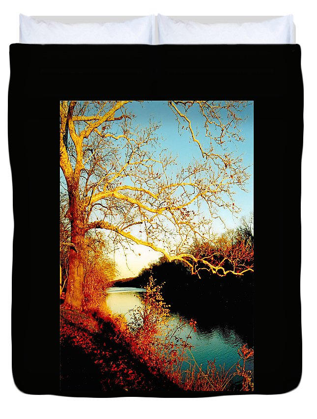 River Duvet Cover featuring the photograph Fall At The Raritan River In New Jersey by Christine Till