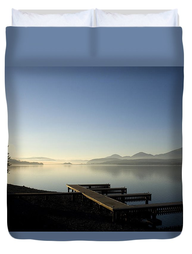 Landscape Duvet Cover featuring the photograph Fall Evening by Lee Santa