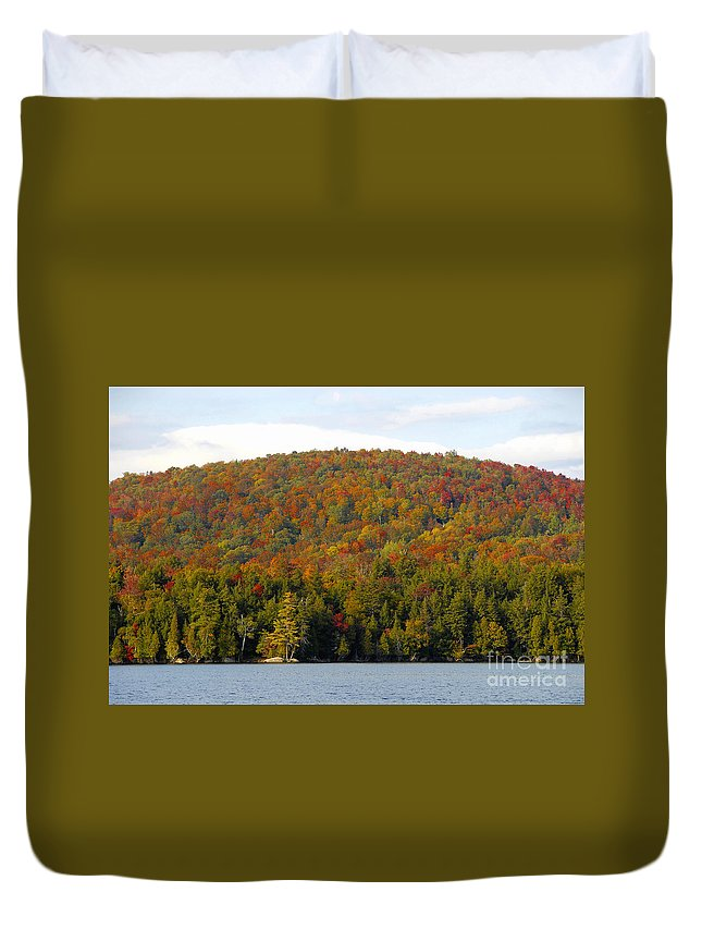 Fall Duvet Cover featuring the photograph Fall Island by David Lee Thompson