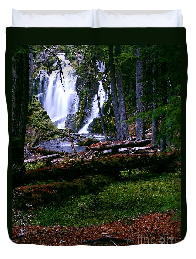 Waterfall Duvet Cover featuring the photograph Fall Through by Peter Piatt