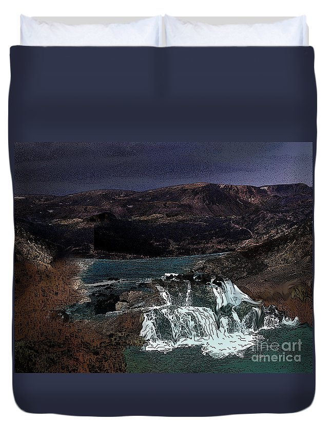 Water Duvet Cover featuring the photograph Falling For You by Vivian Martin