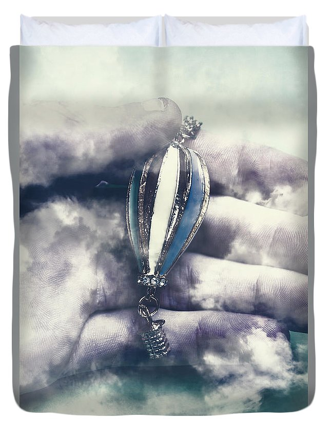 Balloon Duvet Cover featuring the photograph Fantasy Flights by Jorgo Photography - Wall Art Gallery
