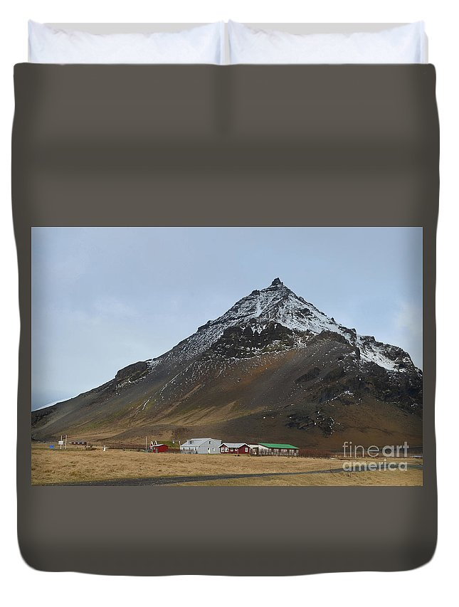 Mt Stapafell Duvet Cover featuring the photograph Farm At The Base Of Mt Stapafell by DejaVu Designs