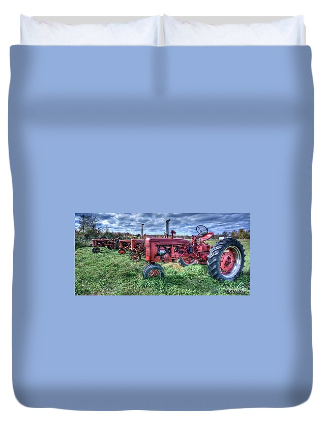 Farmall Duvet Cover featuring the photograph Farmall Graveyard by Rod Cuellar