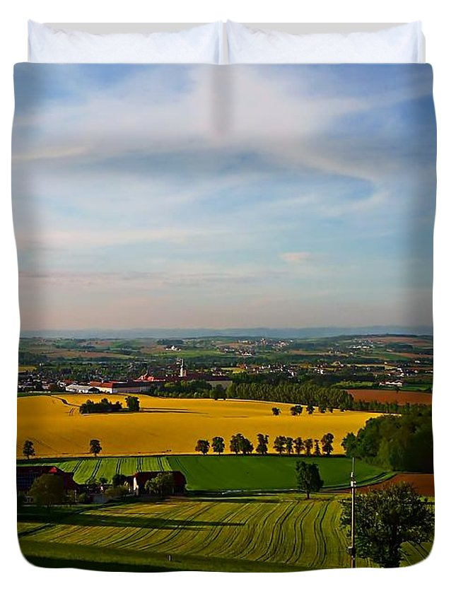 Farmland Duvet Cover featuring the photograph Farmland View by Dawn Van Doorn
