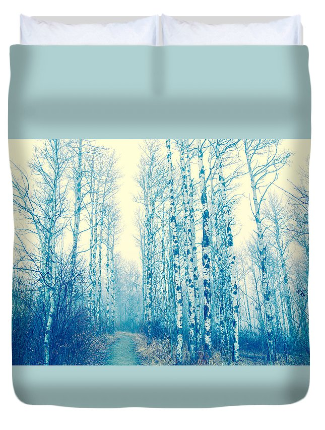 Tree Landscape Duvet Cover featuring the photograph Faze Blue by Kendra Keir