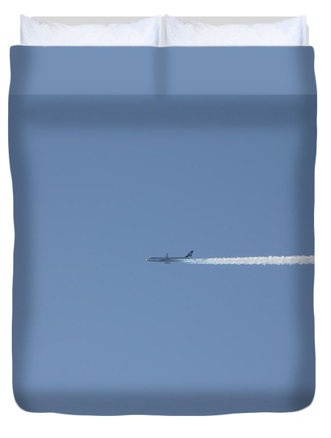Plane Duvet Cover featuring the photograph Fellow Plane by Valerie Ornstein