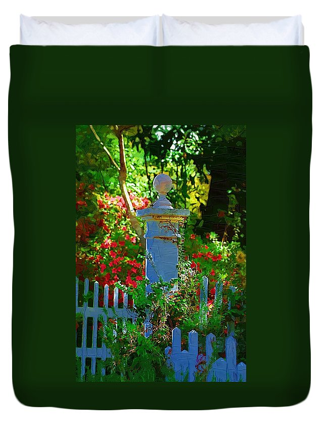 Fence Duvet Cover featuring the photograph Fencepost by Donna Bentley