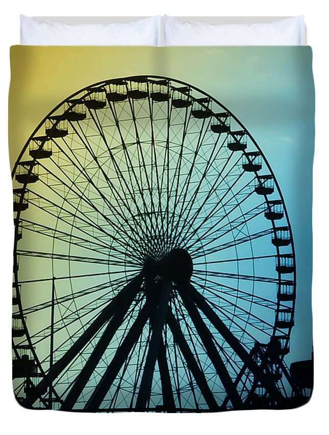 Ferris Wheel Duvet Cover featuring the photograph Ferris Wheel - Wildwood New Jersey by Bill Cannon