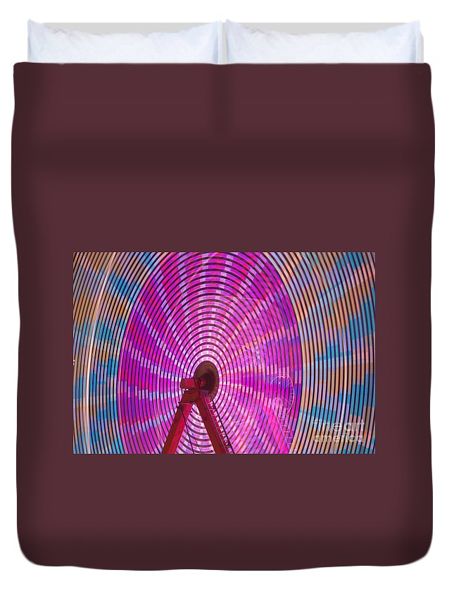 Clarence Holmes Duvet Cover featuring the photograph Ferris Wheel I by Clarence Holmes